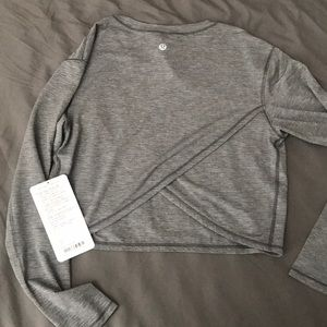 NWT lululemon pushing limits long sleeve crop